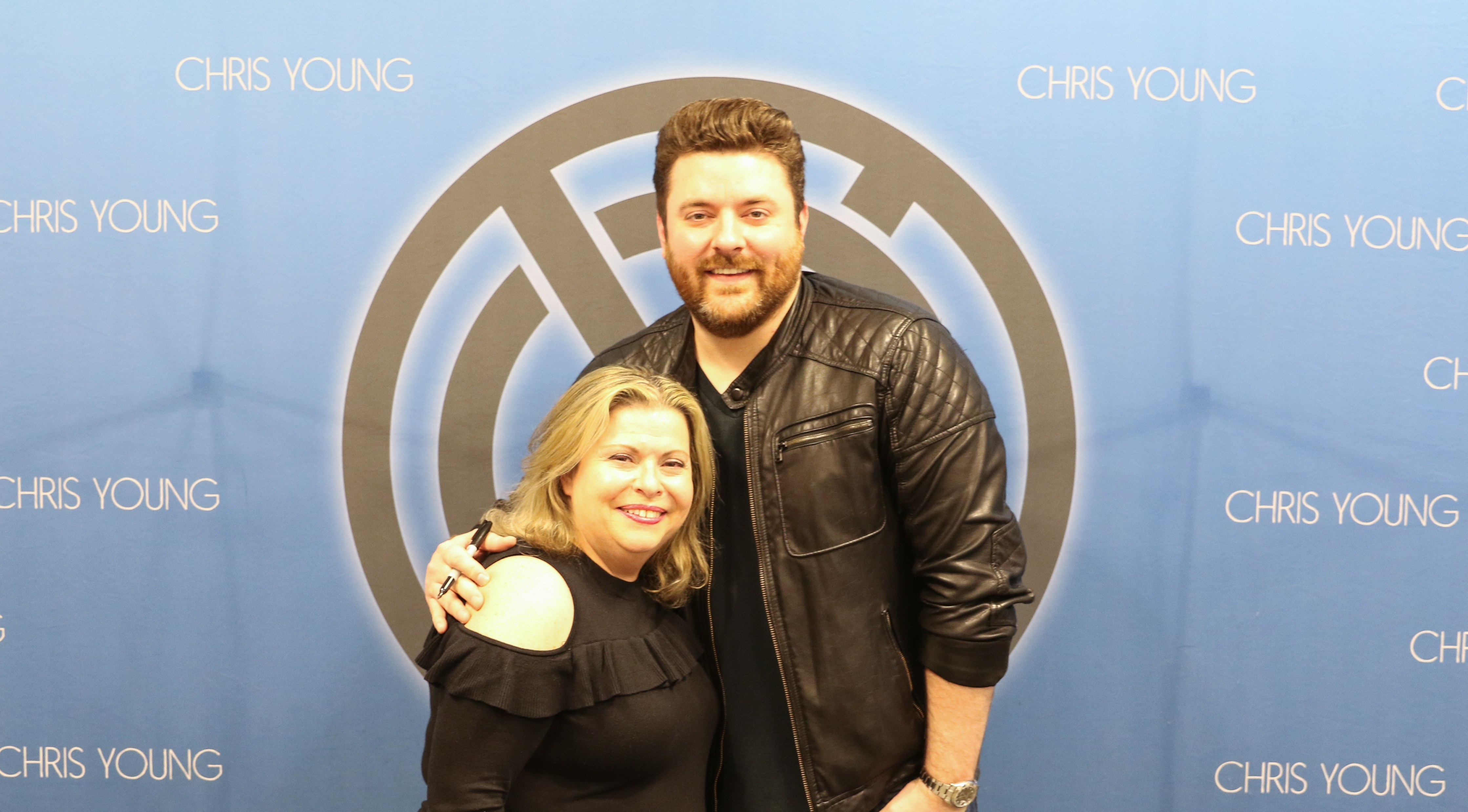 Wscy 1069 fm gallery photos chris young wjoyce from a new morning 2118 chris young meet and greet kristyandbryce Images