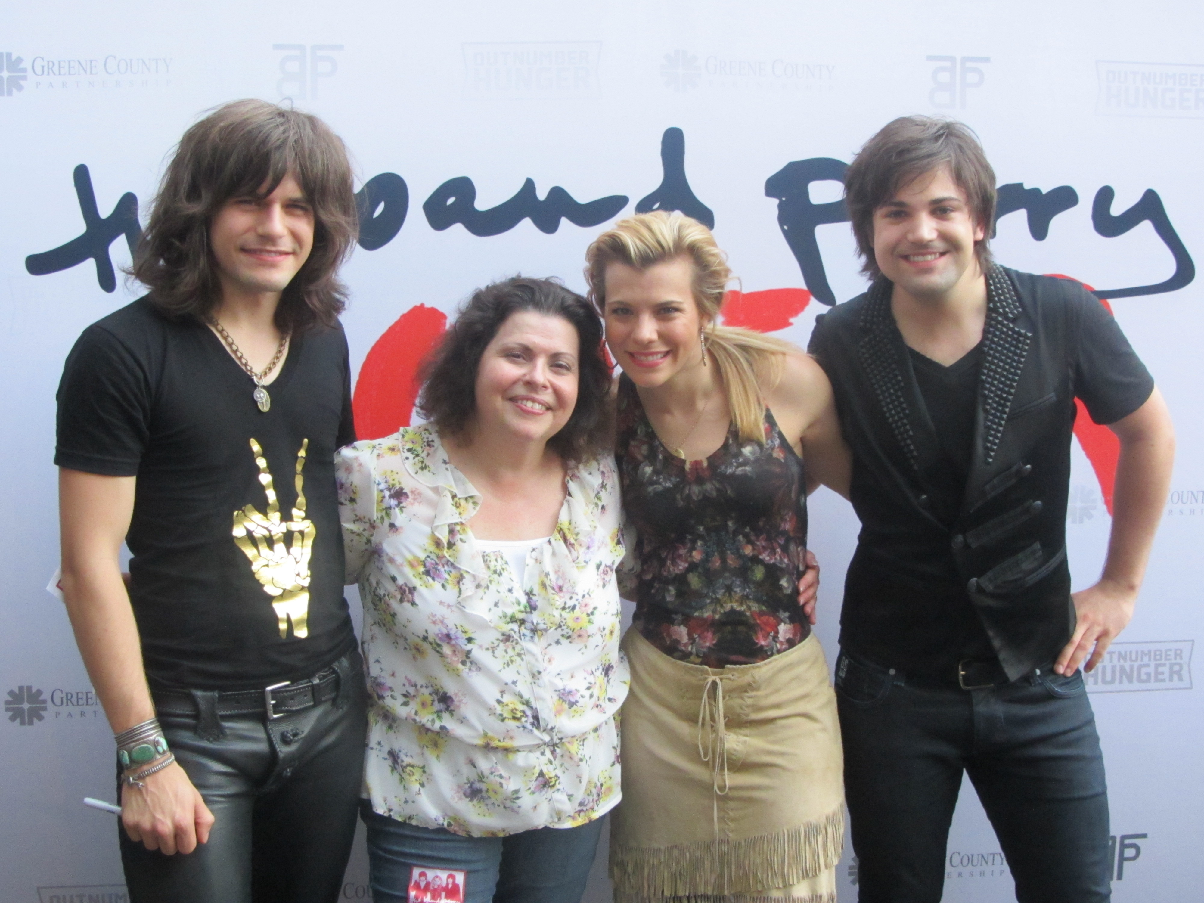 Wscy 1069 fm gallery photos the band perry in gilford kristyandbryce Images